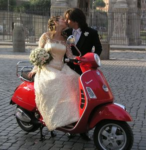Newlyweds Leonardo Cirella and Maria Rosaria Stoccioli wanted to pose for wedding pictures with our scooter, so who were we to say no? MO wishes them a long and happy marriage.