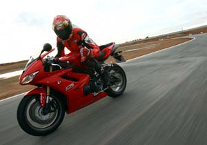 Tor's giving the 2009 Triumph Daytona 675 the thumbs up. Check back later for the full review.