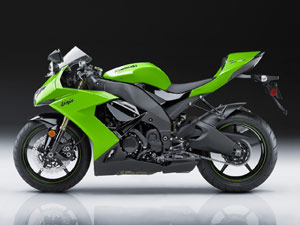 With a major styling update, improvements to the brakes and a likely horsepower boost, the new ZX-10R takes a leap forward in desirability.