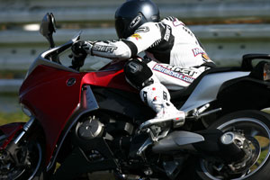 The lack of a clutch lever didn't prevent a lack of speed on the Sugo racetrack.