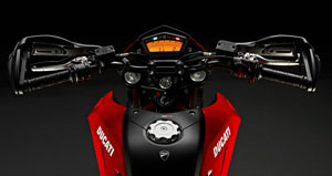 Virtually the same cockpit as on Ducati's Streetfighter is utilized on the new Hypermotard 796.