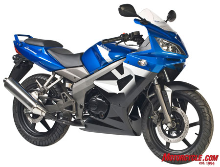 The Quannon 150 is Kymco�s first attempt at a sportbike.