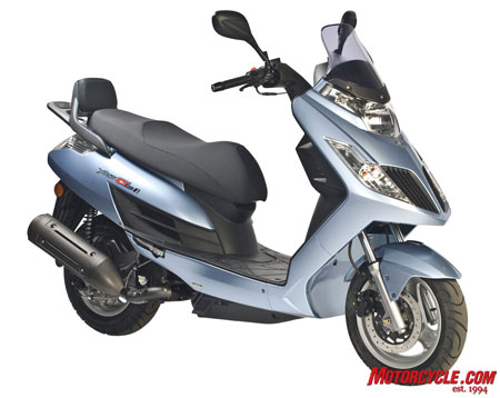 A fun bike to cruise around on, the Yager has a peppy little 174.5cc engine.