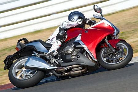 The VFR1200F wasn't designed for racetrack use, but it nevertheless performs quite well in that environment.