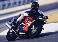 Here young Mr. Bartels illustrates just how much a confidence-inspiring mount like the '98 RR can change your riding. Kinda looks like Mick Doohan there, wouldn't you say?