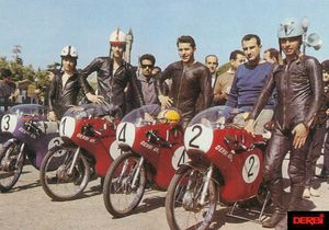 Those are 50cc GP Racers. The bikes were capable of over 100 mph.