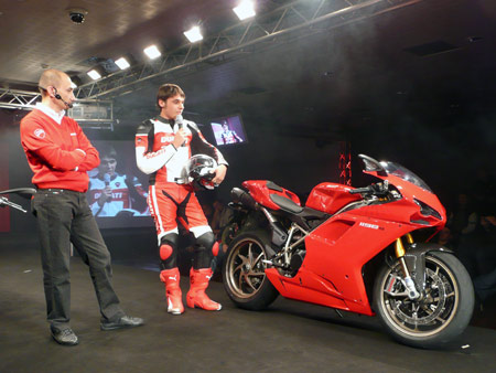 The new 1198, with a claimed metric power-to-weight ratio of 1:1, will replace the 1098 and 1098S .