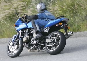 The wide handlebars offer great leverage, but the rubber mounting detracts from the steering's precision.