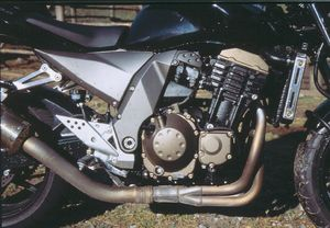 Don't know how Kawasaki manage to do it but EPA SCHMEEPA, this engine sounds good, 1979 Z-1 good, emitting all the right frequencies and undertones, your aural joy is ensured.