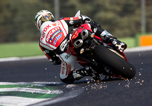 While the 1198's DTC does not cut spark, that didn't stop Troy Bayliss from cutting some sparks of his own.