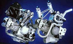 1350cc Boss Engine (left), 1000cc Superbike Engine (right)