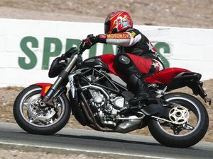 2004 mv agusta brutale s on the track, dyno & street - motorcycle