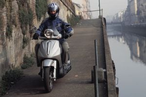 2003 piaggio beverly 500 - motorcycle