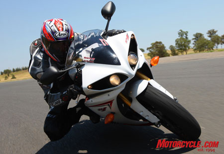 Unlike most sportbikes' dual headlamps, both of the R1's projector headlights remain lit in both high and low beams.