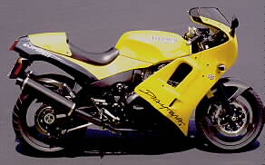 With the Triumph engined Saxon racer about to enter AMA racing backed by Triumph America, potential Triumph buyers may ask how the Daytona stacks up as a sport bike.