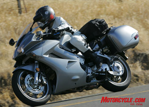 With room to wind it up, the Interceptor showed its top-end power advantage over the F800.