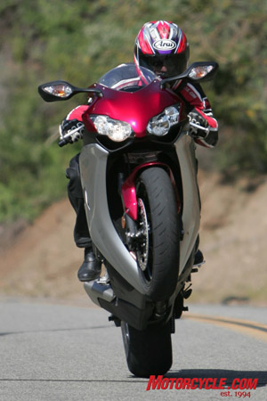 With incredible mid-range stonk, the CBR can do this almost at will.