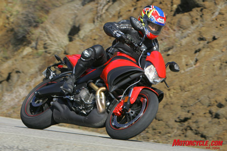 Though the Buell has good handling, relative to the other two in this battle, its combination of rough fueling at small throttle openings and aggressive steering geometry requires an experienced rider to appreciate its unique character.