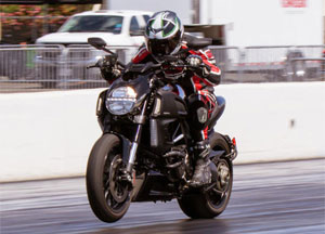 2012 Ducati Diavel Cromo Drag Race