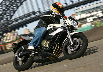 2009 Yamaha XJ6 & XJ6 Diversion Review