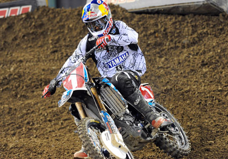 An injury suffered in the previous round may end James Stewart's hopes of defending his AMA Supercross title.