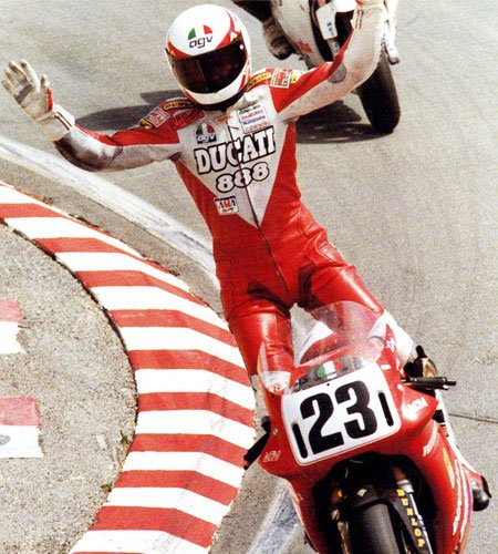 Doug Polen won the 1991 and 1992 World Superbike Championships for Fast By Ferracci.