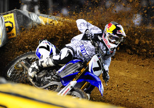 James Stewart has erased a 23-point deficit to take the lead in the AMA Supercross standings.