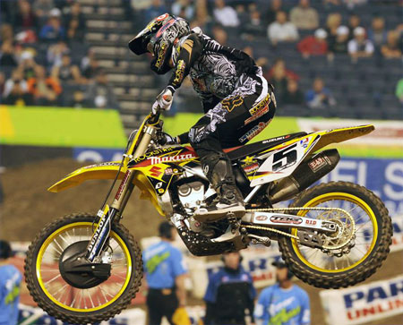 Ryan Dungey managed to hold onto a share of the championship lead with a second-place finish.