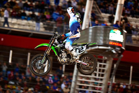 Ryan Villopoto had not one but two strong starts to take the Daytona main event.