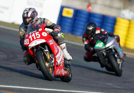Thomas Betti (115) leads the FIM e-Power Championship.