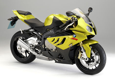 The California Superbike School is switching from the Kawasaki ZX-6R to the BMW S1000RR.