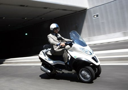 Based on Piaggio's research, the MP3 Hybrid 300ie can meet the average European scooter user's needs.
