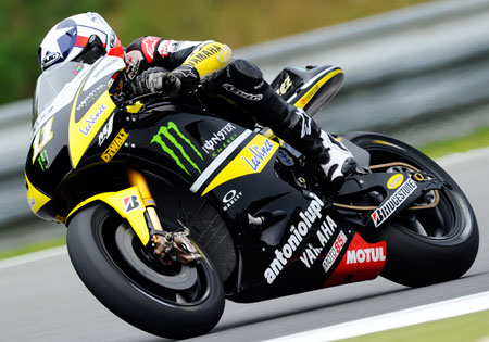 Ben Spies will join Yamaha's factory MotoGP team for 2011.