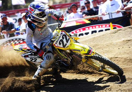 Chad Reed has clinched the 2009 AMA Motocross Championship.