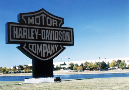 Harley-Davidson's facilities in Menomonee Falls, just outside Milwaukee, produces engines and transmissions. The Tomahawk operations produce various plastic and fiberglass components including windshields.