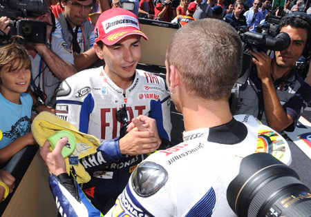 For a brief moment, Jorge Lorenzo almost convinced Valentino Rossi to settle the 2009 championship by arm wrestling.
