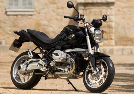 The BMW R1200R is due for an update, especially since its R-Series siblings the R1200GS and R1200RT received a new DOHC boxer engine last year.