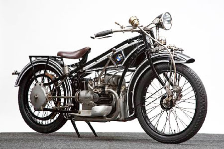 Selling for US$165,000, the 1924 BMW R32 was one of the first motorcycles to be sold under the BMW name.