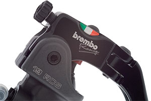 Riders can adjust the brake lever pivot using the roller cam above the Italian flag.