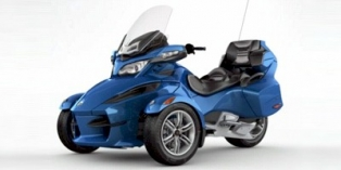 2011 Can-Am Spyder Roadster RT Audio And Convenience