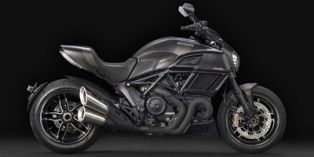 2017 Ducati Diavel Carbon Reviews Prices And Specs